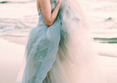 Light grey : blue sea themed tulle wedding dress