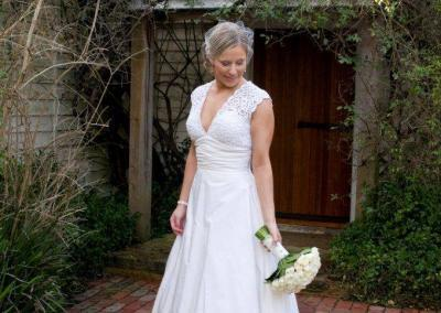 IB_A-line_ivory_lace_wedding_dress